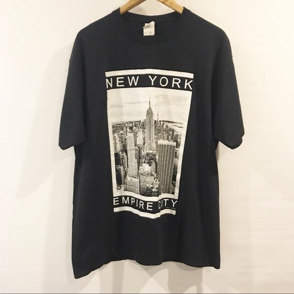 c65a0a48419 Gildan Shirts | New York City Black Graphic Tee New York Xl | Poshmark